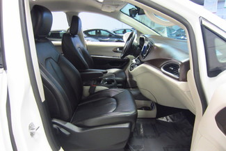 2017 Chrysler Pacifica Touring-L Doral (Miami Area), Florida 21
