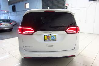 2017 Chrysler Pacifica Touring-L Doral (Miami Area), Florida 5