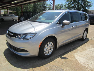 2017 Chrysler Pacifica LX Houston, Mississippi