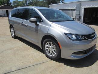 2017 Chrysler Pacifica LX Houston, Mississippi 1