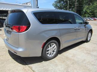 2017 Chrysler Pacifica LX Houston, Mississippi 4