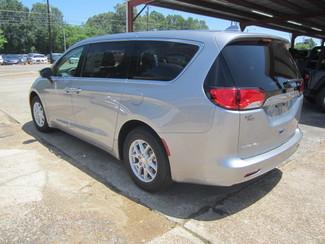 2017 Chrysler Pacifica LX Houston, Mississippi 5