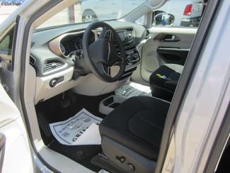 2017 Chrysler Pacifica LX Houston, Mississippi 6