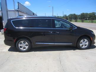 2017 Chrysler Pacifica Touring-L Plus Houston, Mississippi 3