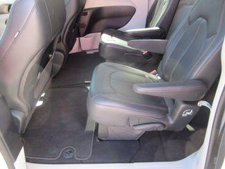 2017 Chrysler Pacifica Touring-L Houston, Mississippi 8