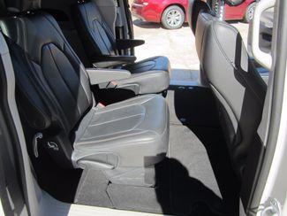 2017 Chrysler Pacifica Touring-L Houston, Mississippi 9