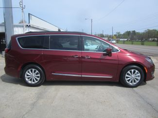 2017 Chrysler Pacifica Touring-L Houston, Mississippi 3