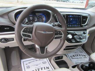 2017 Chrysler Pacifica Touring-L Plus Houston, Mississippi 11