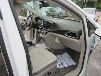 2017 Chrysler Pacifica Touring-L Plus Houston, Mississippi 8