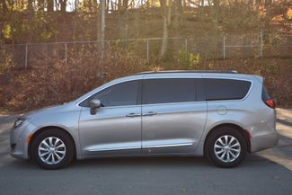 2017 Chrysler Pacifica Touring-L Naugatuck, Connecticut 1