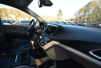 2017 Chrysler Pacifica Touring-L Naugatuck, Connecticut 9