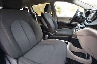 2017 Chrysler Pacifica Touring Naugatuck, Connecticut 10