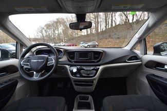 2017 Chrysler Pacifica Touring Naugatuck, Connecticut 16
