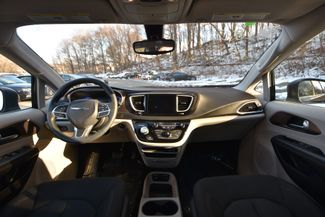2017 Chrysler Pacifica Touring Naugatuck, Connecticut 15