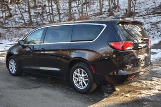 2017 Chrysler Pacifica Touring Naugatuck, Connecticut 2