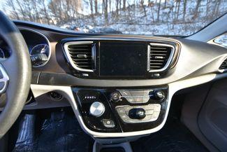 2017 Chrysler Pacifica Touring Naugatuck, Connecticut 20