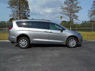 2017 Chrysler Pacifica Touring - L Handicap Van Pinellas Park, Florida 1