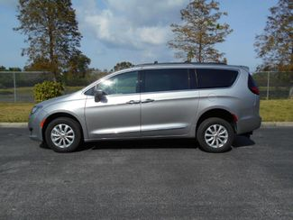 2017 Chrysler Pacifica Touring - L Handicap Van Pinellas Park, Florida 2