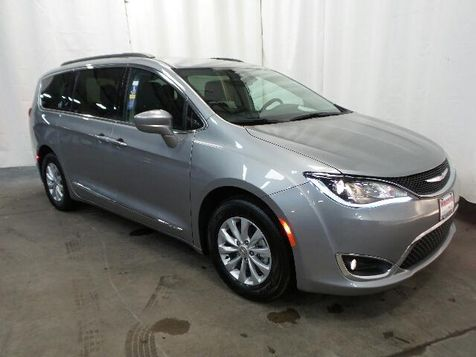 2017 Chrysler Pacifica Touring-L in Victoria, MN