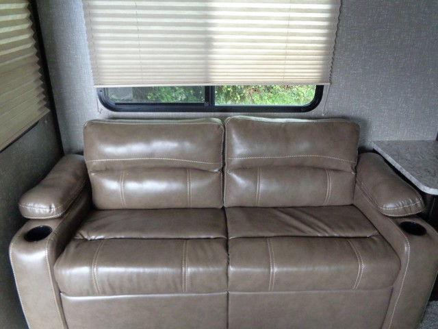 2017 Cruiser Rv Shadow Cruiser 251RKS  city NY  Barrys Auto Center  in Brockport, NY