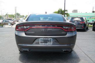 2017 Dodge Charger SXT Hialeah, Florida 4
