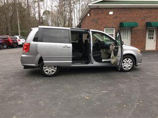 2017 Dodge Grand Caravan Handicap wheelchair van Dallas, Georgia 19