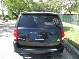 2017 Dodge Grand Caravan SXT Miami, Florida 5
