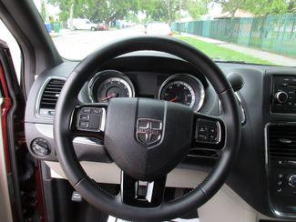 2017 Dodge Grand Caravan SXT Miami, Florida 15