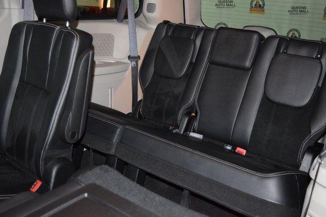 2017 Dodge Grand Caravan SXT Richmond Hill, New York 24