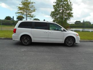 2017 Dodge Grand Caravan Sxt Handicap Van Pinellas Park, Florida 1