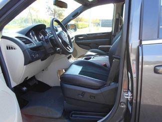 2017 Dodge Grand Caravan Sxt Handicap Van Pinellas Park, Florida 5
