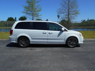 2017 Dodge Grand Caravan Sxt Handicap Van......................... Pre-construction pictures. Van now in production. Pinellas Park, Florida