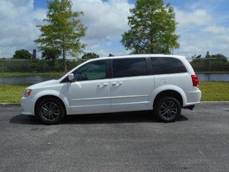 2017 Dodge Grand Caravan Sxt Wheelchair Van Pinellas Park, Florida 1