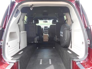 2017 Dodge Grand Caravan Sxt Wheelchair Van Pinellas Park, Florida 5