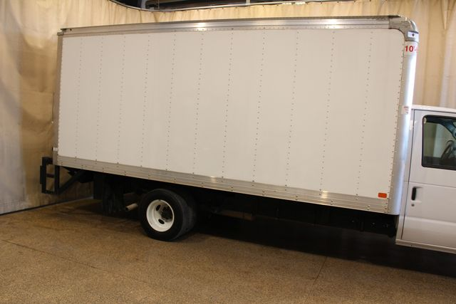 2017 Ford E-Series Cutaway box truck tommy lift Roscoe, Illinois 2