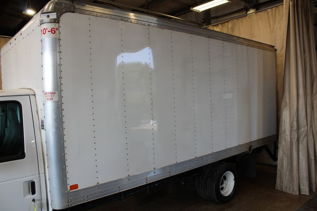 2017 Ford E-Series Cutaway box truck tommy lift Roscoe, Illinois 6
