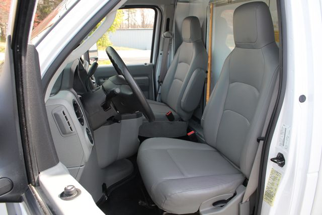 2017 Ford E-Series Cutaway E350  UNICELL 15' BOX TRUCK/VAN Mooresville , NC 9