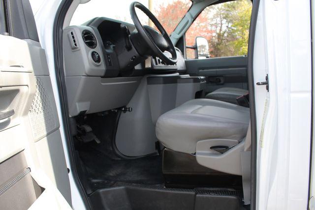 2017 Ford E-Series Cutaway E350  UNICELL 15' BOX TRUCK/VAN Mooresville , NC 29