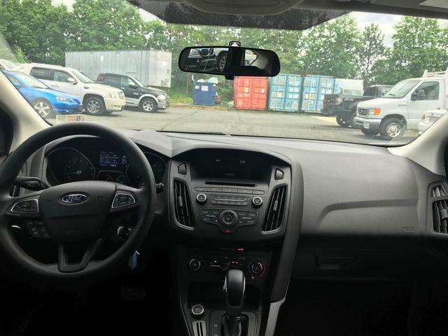 2017 Ford Focus SE Leesburg, Virginia 13