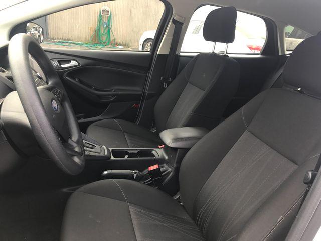 2017 Ford Focus SE Leesburg, Virginia 15