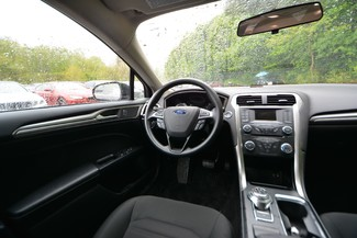 2017 Ford Fusion SE Naugatuck, Connecticut 10