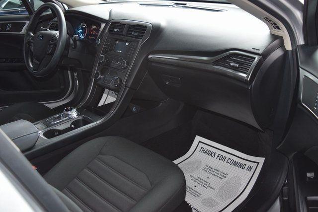 2017 Ford Fusion SE Richmond Hill, New York 19