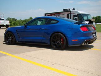 2017 Ford Mustang Shelby GT350 Bettendorf, Iowa 4