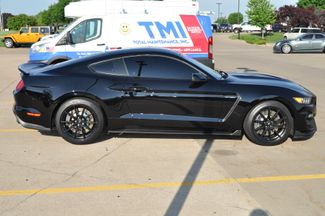 2017 Ford Mustang Shelby GT350 Bettendorf, Iowa 32