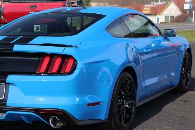 2017 Ford Mustang GT Premium - NAVIGATION - BLACK ACCENT PKG! Mooresville , NC 28