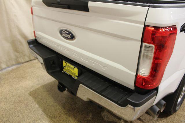 2017 Ford Super Duty F-250 Pickup XLT Roscoe, Illinois 9