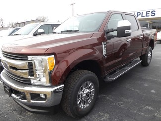 2017 Ford Super Duty F-250 Pickup XLT Warsaw, Missouri 3