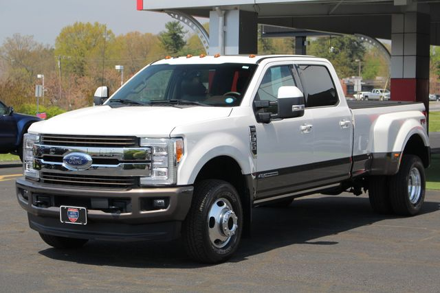 2017 Ford Super Duty F-350 DRW Pickup King Ranch Ultimate Crew Cab 4x4 FX4 - TOW TECH! Mooresville , NC 26