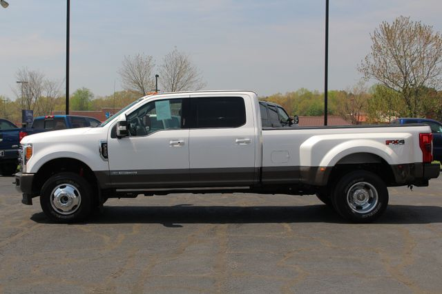 2017 Ford Super Duty F-350 DRW Pickup King Ranch Ultimate Crew Cab 4x4 FX4 - TOW TECH! Mooresville , NC 17