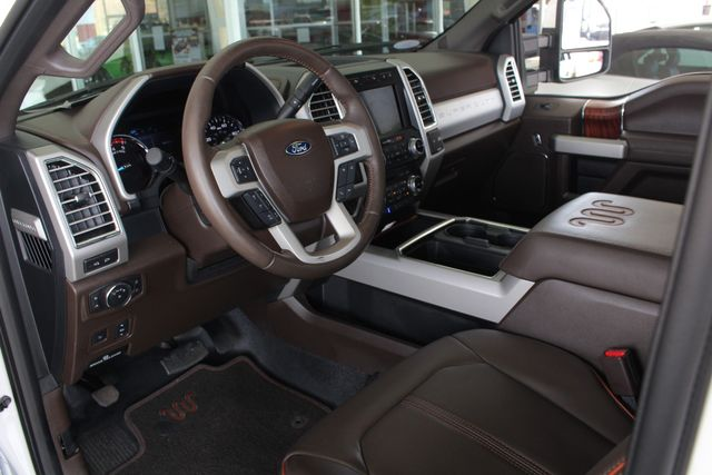 2017 Ford Super Duty F-350 DRW Pickup King Ranch Ultimate Crew Cab 4x4 FX4 - TOW TECH! Mooresville , NC 36
